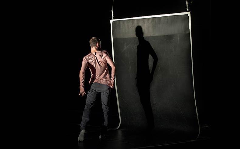 Persona- espectacle de Spin off Danza dins del festival Ciutat Flamenco 2015 - Mercat de les Flors, Dansa i Moviment